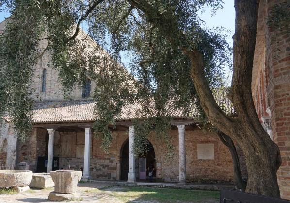Entree basilique