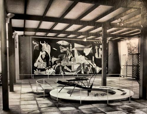 Guernica a lexposition universelle de paris en 1937