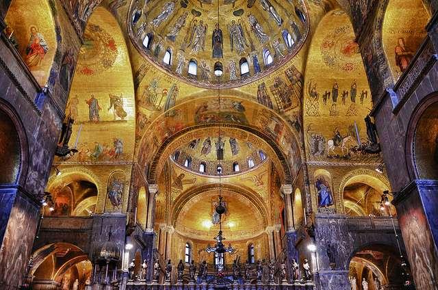 Interieur de la basilique saint marc venise